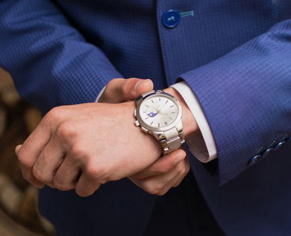 7 أخطاء ربما تقع بها في تعاملك مع ساعة اليد الخاصة بك !
