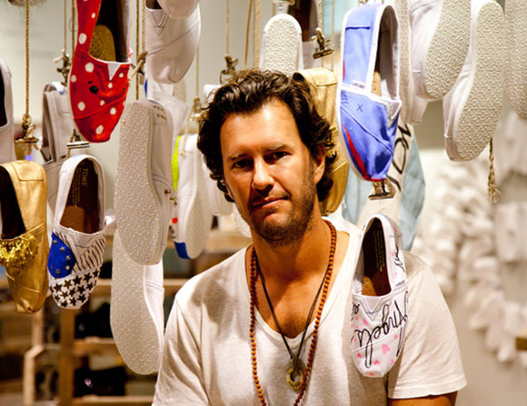 شركة  TOMS لتصنيع الأحذية تدخل سوق القهوة
