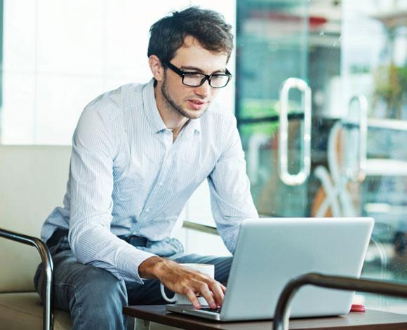 10 دورات مجانية يجب الاهتمام بتعلمها من خلال الإنترنت
