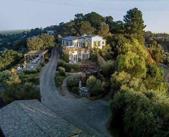 توم كروز يبيع قصره في بيفرلي هيلز بـ13 مليون دولار