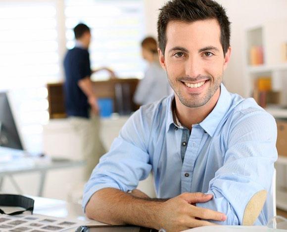 أيها الموظف ... اليك 6 علامات تشير إلى ضرورة ترك عملك الحالي