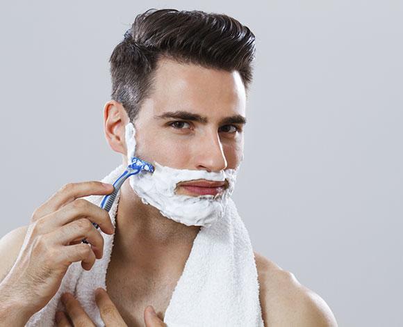 هل ينصح بالحلاقة مع اتجاه نمو الشعر أو عكسه؟ إليك هذه النصائح