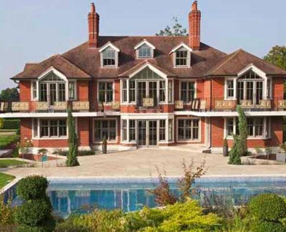 توم كروز يعرض قصره الإنجليزي للبيع بـ 7.4 ملايين دولار