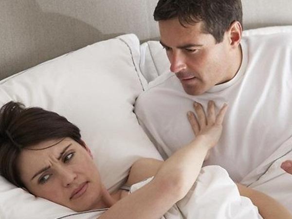 لماذا ترفض الزوجة أحيانًا النوم مع الزوج