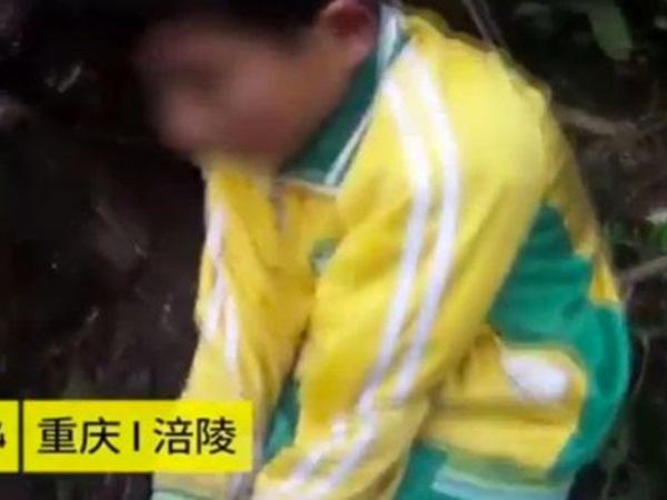 طفل يزوّرعملية اختطافه كي يضغط على والده في هذا الأمر