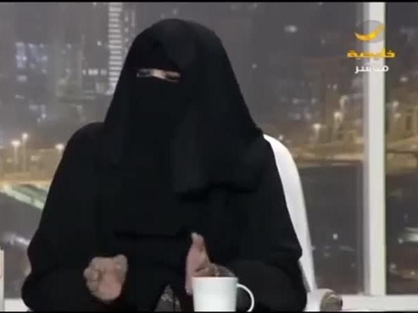 هكذا دافعت المشخص ضد أبناء السعوديات .. فيديو