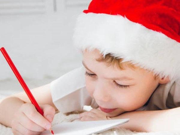 رسالة غريبة كتبها طفل إلى سانتا كلوز