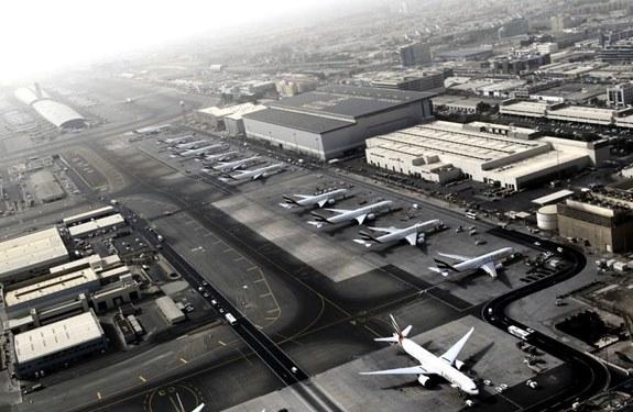 خسائر إغلاق مطار دبي الدولي بسبب الطائرات الآلية 100 ألف دولار في الدقيقة
