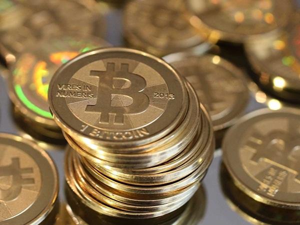 العملات الرقمية تحول مجهولين إلى أغنياء العالم .. وتزيح زوكربرغ عن أعلى القائمة