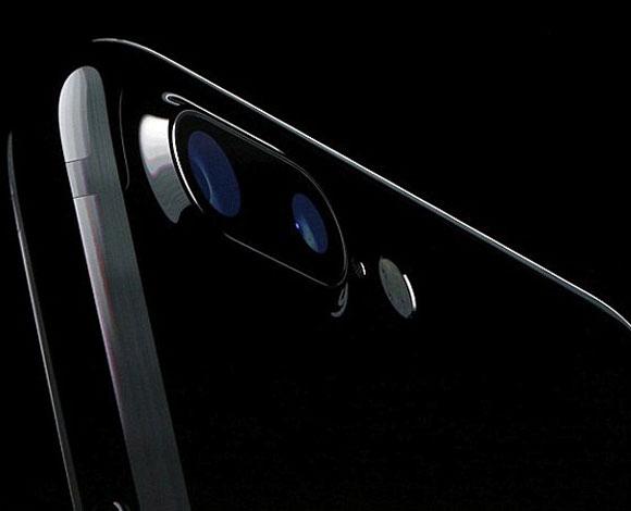 هل سيكون هناك تحالف بين شركة Apple  و LG؟