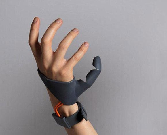 نموذج ثلاثي الأبعاد لإصبع يتصل باليد ليمكنها من القيام بمهام معقدة