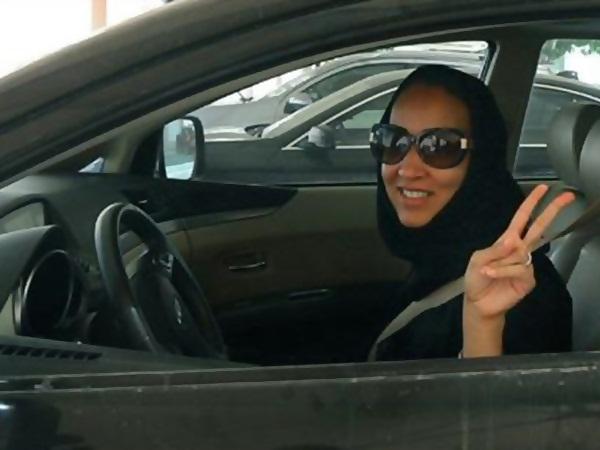 هجوم سعودي على الكاتبة حواء القرني .. تعرف على السبب