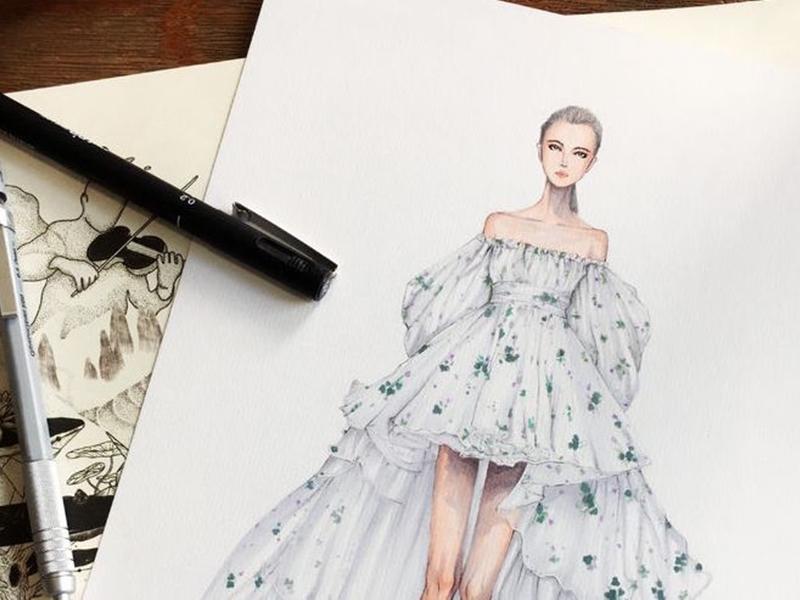 مصمم أزياء بحريني يمثل أمام القضاء بسبب فستان!