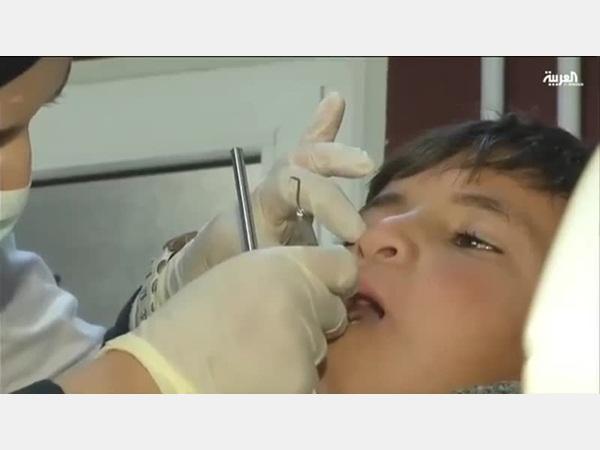 طبيبة سعودية تلفت أنظار العالم للاجئين السوريين بأفعالها