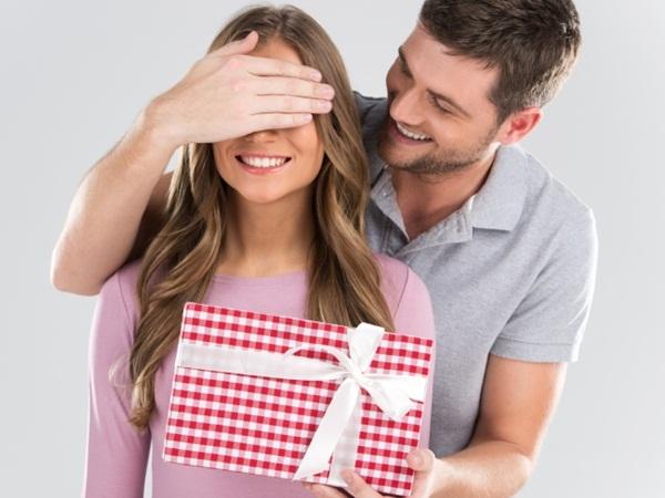 لا تشتر هذه الأغراض لزوجتك كهدايا أبدًا