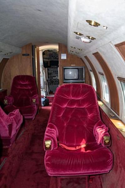 عرض طائرة الفيس بريسلي الخاصة للبيع مرة أخرى !