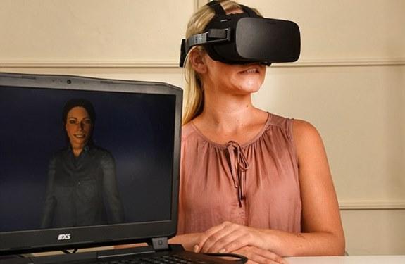 نظارة واقع افتراضي تساعد مرضى الشلل الوجهي على استعادة ابتسامتهم