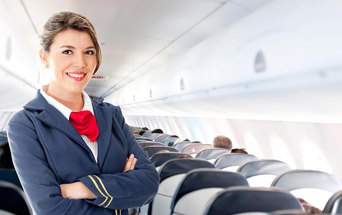 عبارات مهينة لمضيفات الطيران تجنبها
