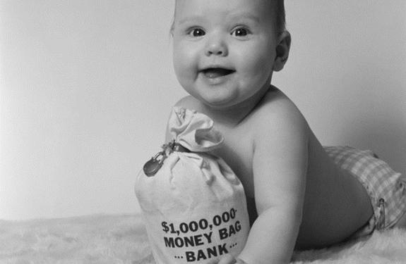 طفلٌ في الثالثة من عمره يصبح مليونيرًا!
