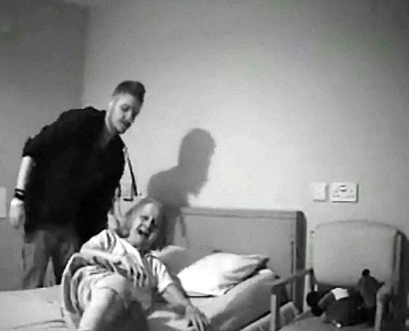 القبض على ثلاثة ممرضين كانوا يعذبون سيدة عجوز 7-1317