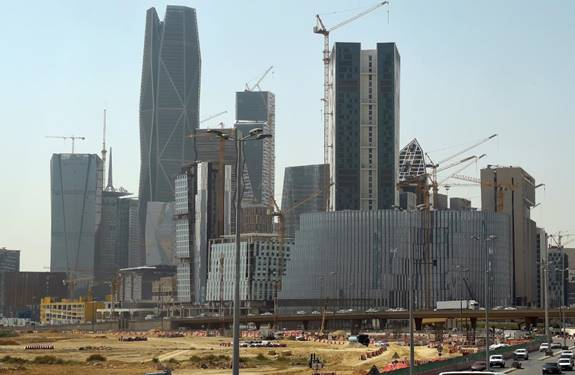 الرياض تلزم المقاولين بالعقد المنظم مع المستفيد