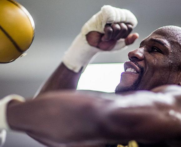 في حياة بطل الملاكمة فلويد مايويذر الكثير من المشاعر والاحاسيس أيضًا