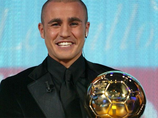 الفائزون بجائزة القدم الذهبية منذ عام 1995 حتى الآن