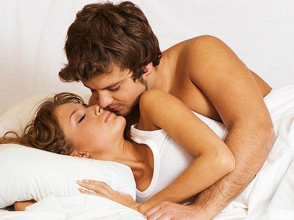 كيف تؤثر العلاقة الجنسية على التوتر النفسي