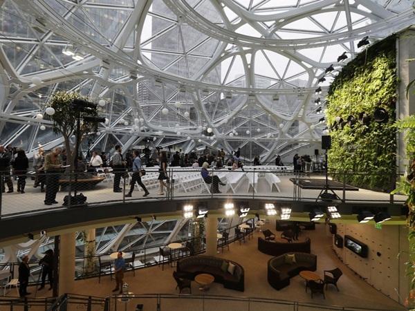 جيف بيزوس يكشف أخيرا عن مقر شركة أمازون الجديد في سياتل