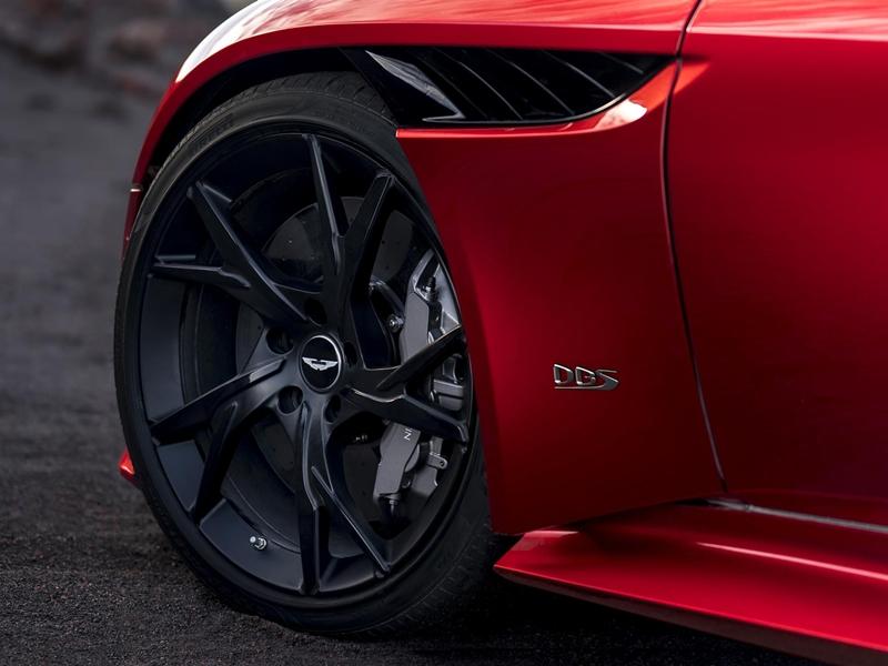 DBS Superleggera الجديدة ... سيارة جايمس بوند الجديدة