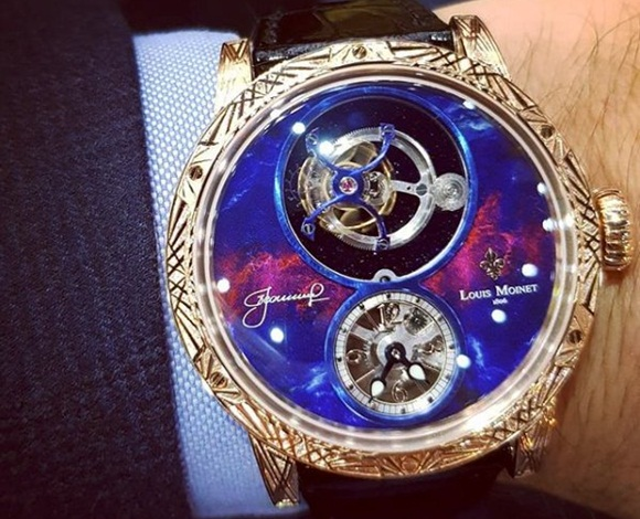 احتفاء بأول رجل يسير في الفضاء ... هذه ساعة Louis Moinet الجديدة