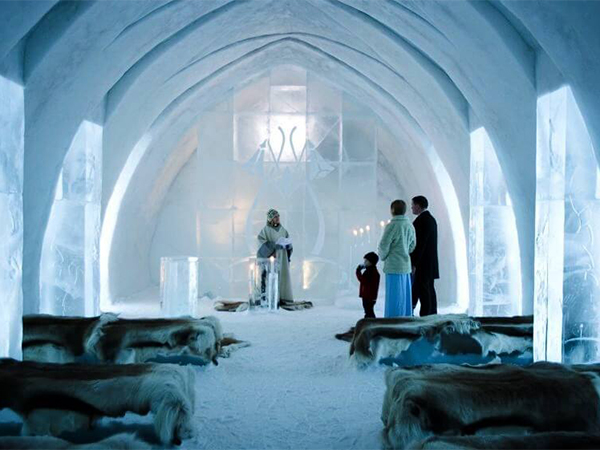 فندق يحتوي أثاثًا مصنوعًا من الجليد... هل تجرؤ على اختباره؟