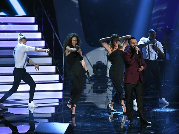 """دُموع من فريق أحلام تحصُد لقب """"the Voice"""" بموسمه الرابع: عقدٍ فني لإنتاج ألبوم غنائي كامل مع شركة """"Platinum Records"""