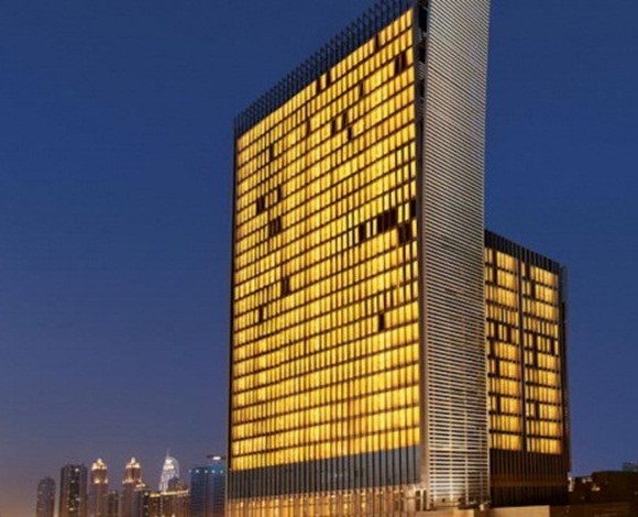 إلى رجال المال والأعمال، هذه باقة من أفخر الفنادق الإماراتيّة المخصّصة لكم