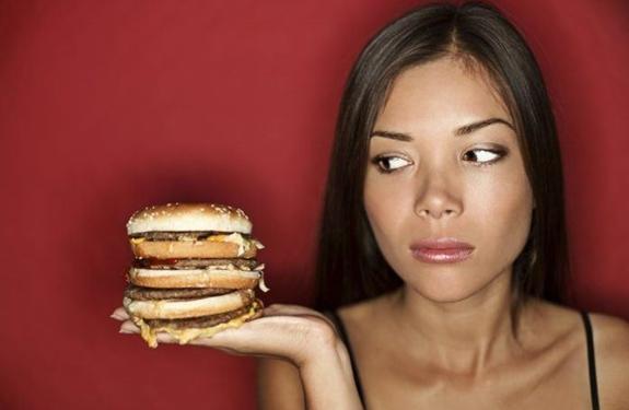 كيف أمنع نفسي من الأكل؟