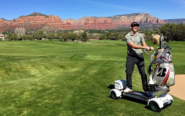لمحبي لعبة الغولف: لوح رباعي الدفع للتنقل بسهولة في المضمار