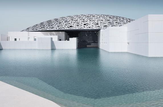 متحف لوفر أبوظبي أو برج خليفة: السكن بجوار أي المكانين أغلى؟