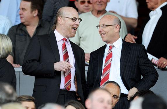 عائلة غلايزر تقرر بيع جزء من أسهم مانشستر يونايتد