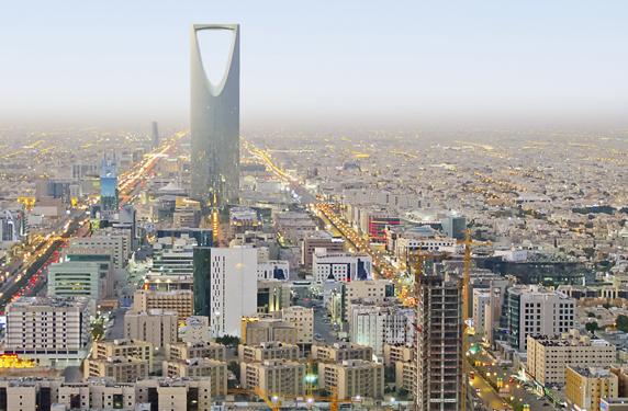 انخفاض عجز الميزانية السعودية إلى 1 بالمئة في 2022