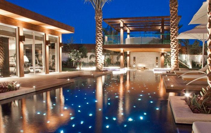 عرض إحدى فيلات بروميليا الفاخرة في دبي للبيع ب 11 مليون دولار