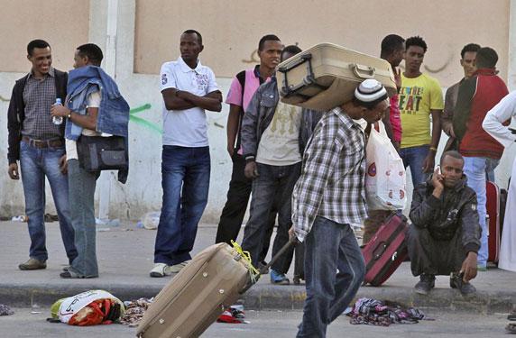 هذه هي عقوبة التعامل مع الوافدين المخالفين في السعودية