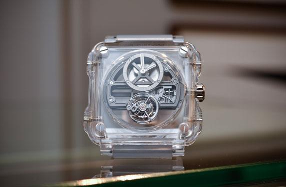 بيل أند روس تطرح ساعتها الجديدة BR-X1 Skeleton Tourbillon Sapphire