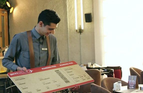 مطعم لبناني يكافئ أحد موظفيه برحلة مجانية إلى اليونان !