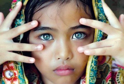 من هي صاحبة أجمل عيون في العالم؟