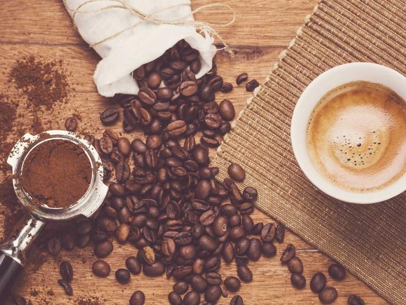 من بينها صعوبة التركيز وشيخوخة الجلد، إليك أبرز عوارض إدمان القهوة