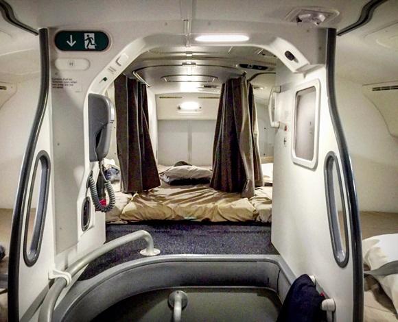 على متن الطائرات توجد غرفٌ سريّة. فما حكايتها؟