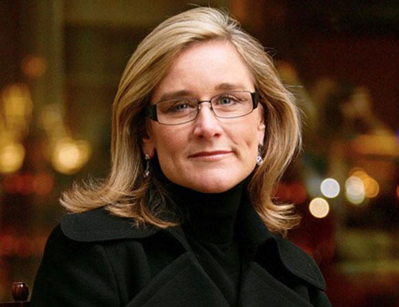 """تعرف إلى أنجيلا أهرينتس مديرة مبيعات التجزئة الجديدة في """"أبل"""""""