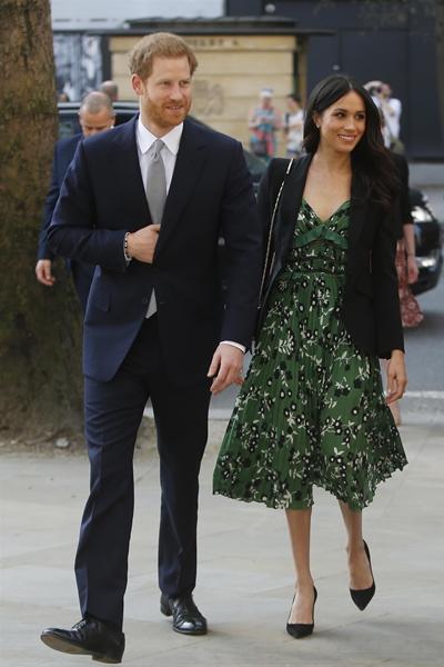 البروتوكول الملكي يجبر الأمير هاري وزوجته بإرجاع هدايا قيمتها 9 مليون دولار