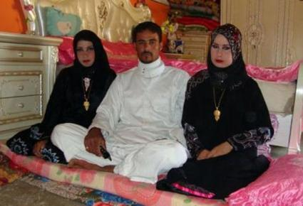 سعودي يتزوج عروسين في حفل زفاف واحد