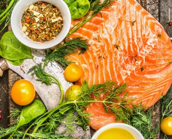 هل تبحث عن مأكولات تُساعِدك في إنقاص وزنك؟ إذًا إقرأ الآتي